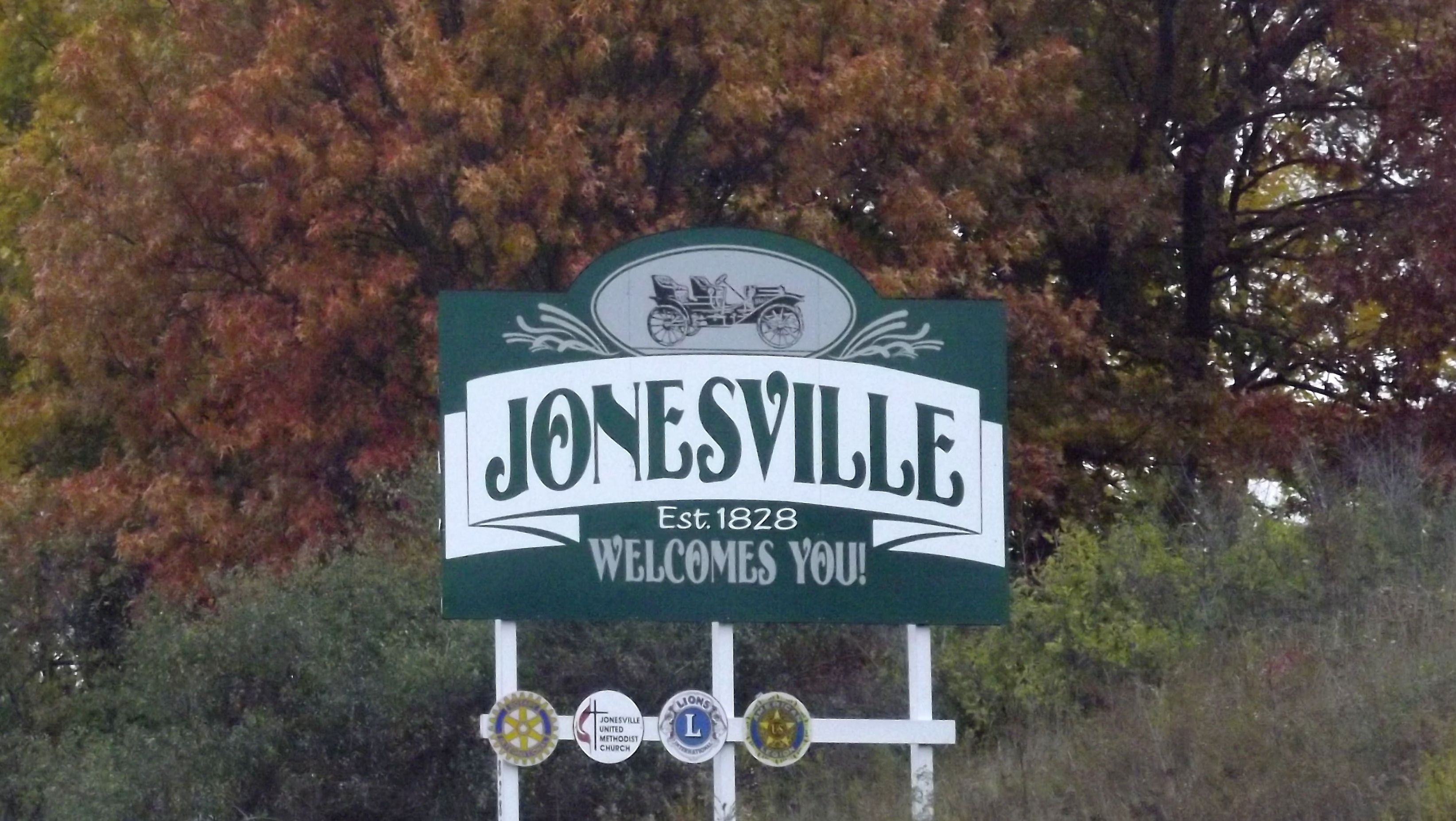 Welcome to Jonesville sign